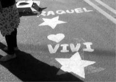 Pintaron en Eldorado estrellas amarillas en memoria de las hermanas Raquel y Viviana Almeida