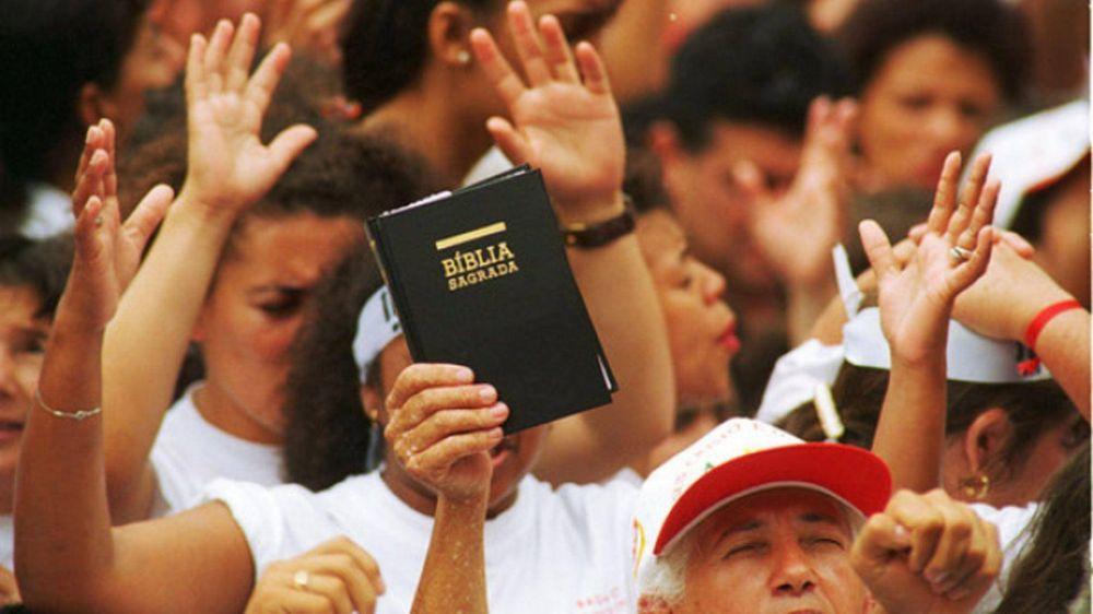Evangélicos, contra una reforma que deja sin pensión a sus pastores