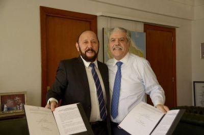 Insfrán firmó convenio para llevar gas natural a ocho localidades del oeste formoseño