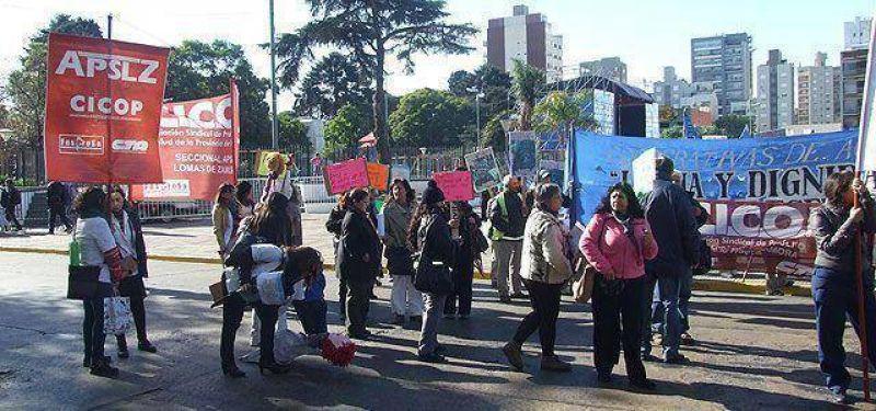 Protesta de trabajadores del hospital Alende