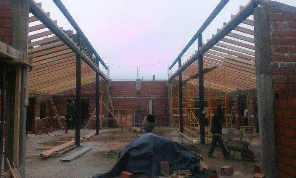 Comenzaron a techar la nueva capilla Inmaculada Concepción