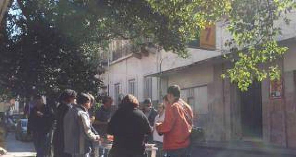 Continúa la protesta por los despidos en LV7