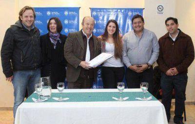 El Club Arco Iris de Coronel Vidal pasó a manos del Municipio