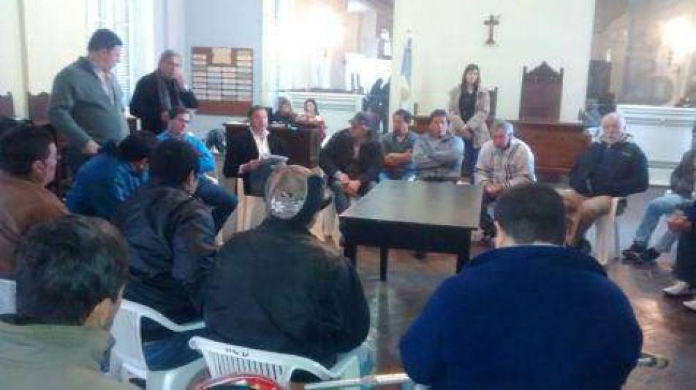 Ex trabajadores de Curtarsa se reunieron con el Intendente