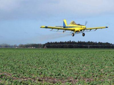 """Agroquímicos: Agricultura dice que """"no hace falta una prohibición de mil metros"""""""