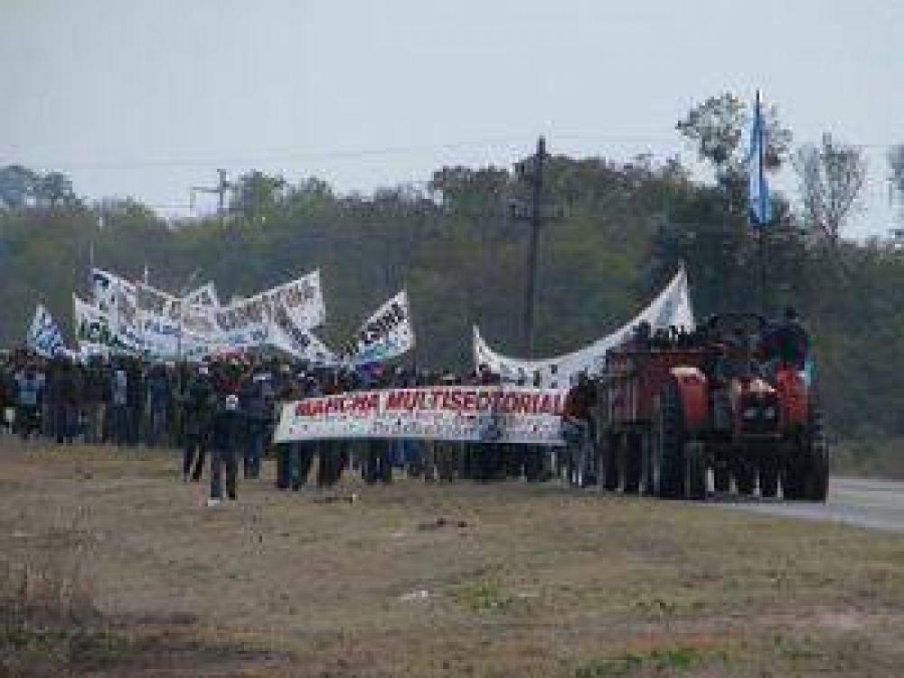 Marcha multisectorial: la columna principal llegó a San Martín