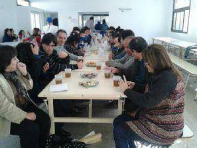 Reconocen a la comunidad del colegio Sáenz Peña de Cosquín