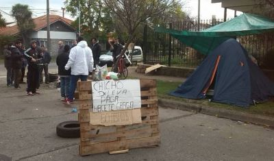 Trabajadores portuarios protestaron por el cierre de Costa Brava