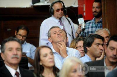 Envuelto en un nuevo escándalo, Mariano Bruera se quedó sin lugar en la lista