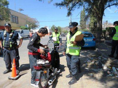 Diez motos secuestradas en control vehicular