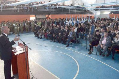 El gobernador encabezó el 118º Aniversario de Sarmiento