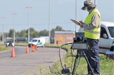 Están a full con los radares: 45 multas por día