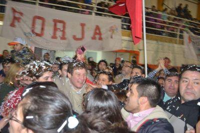 El intendente Gustavo Melella se impuso con el 53 por ciento de los votos y logró su reelección
