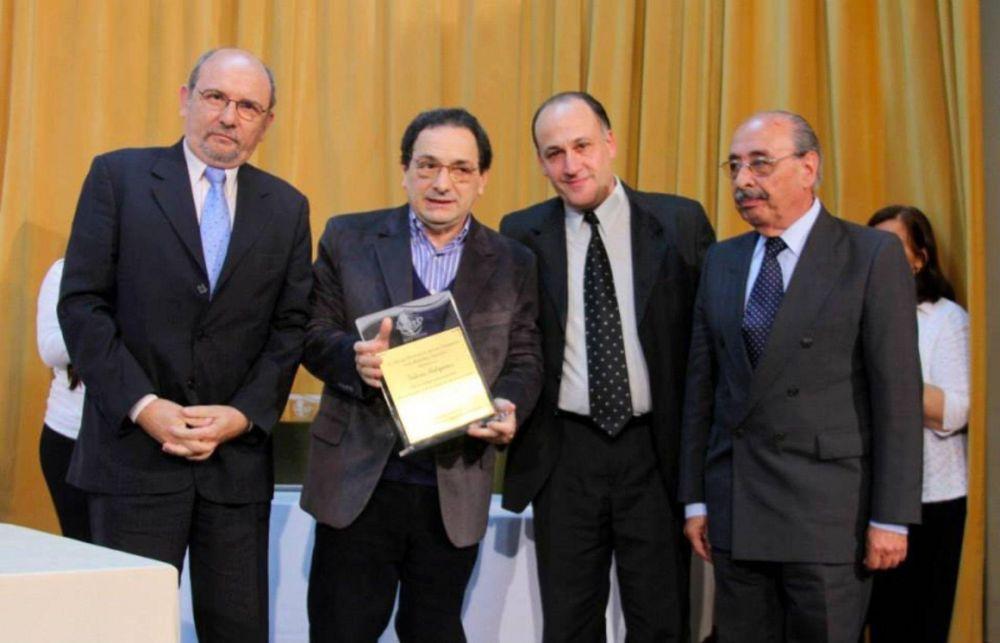 Evangélicos premiaron al suplemento Valores Religiosos