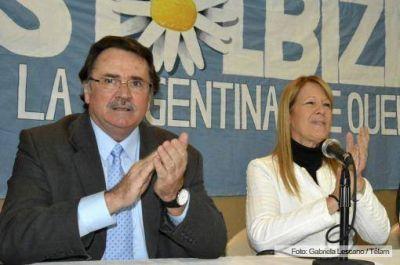 El Frente Progresista present� en C�rdoba oficialmente la f�rmula Stolbizer-Olaviaga