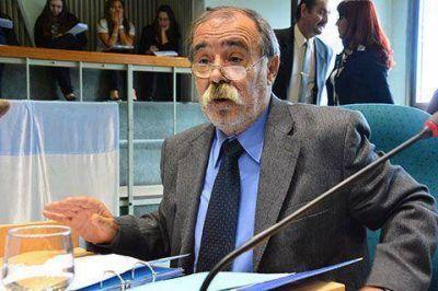 """Roquel: """"se debe priorizar el interés del pueblo por encima del partido"""""""
