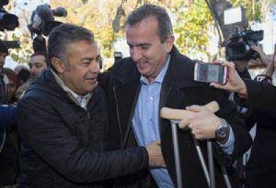 Gesto en Mendoza: Cornejo y Pérez, juntos tras la votación