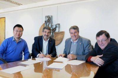 La UNSJ firmó un convenio con el Conicet y con China para instalar el Radiotelescopio en Calingasta