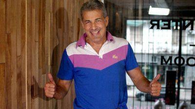 Ivo Cutzarida logr� un contrato de $13 mil en el Senado nacional
