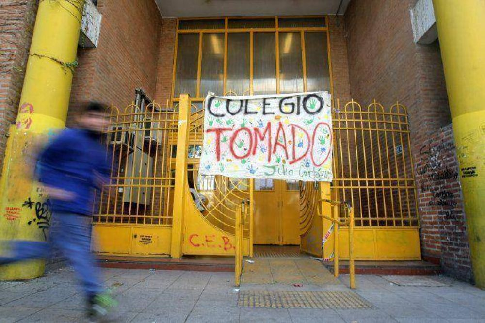 Ya son 13 los colegios porteños tomados por sus alumnos
