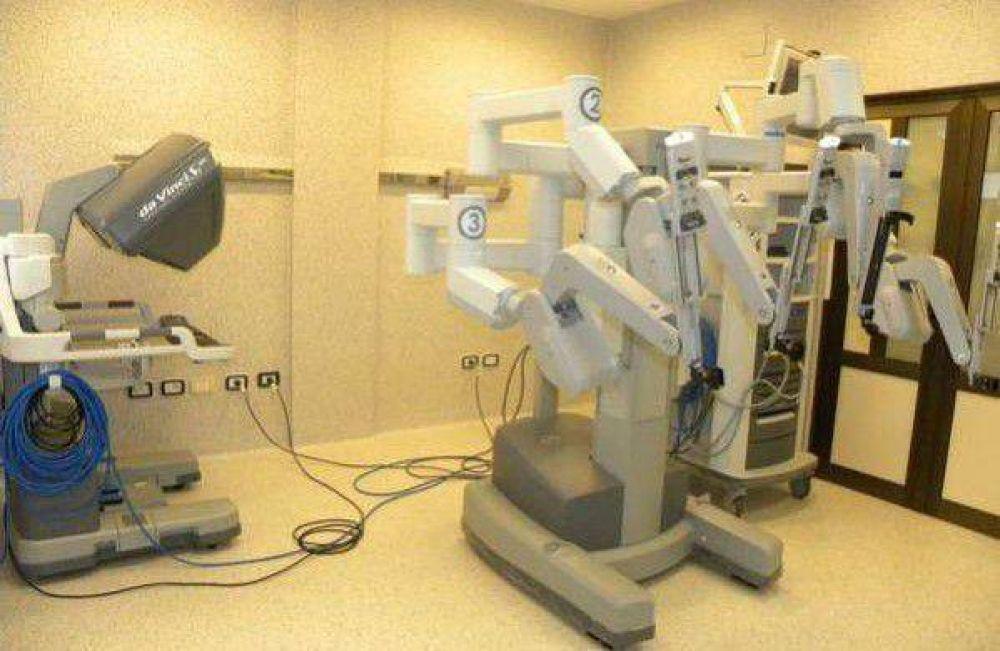 Hospital Escuela: El Robot Da Vinci superó las 100 cirugías robóticas ginecológicas