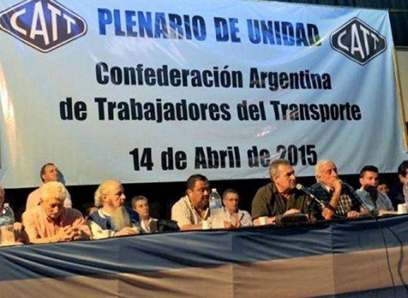 Sindicatos del transporte quieren reunirse con Scioli, De la Sota y Altamira