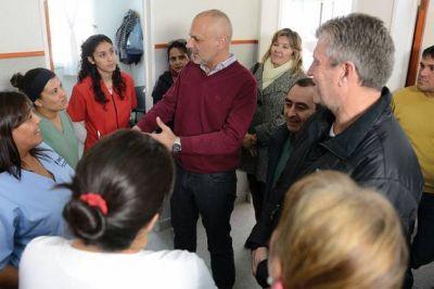 Buzzi visitó a los erradicados del ex asentamiento Loma Blanca, de Madryn