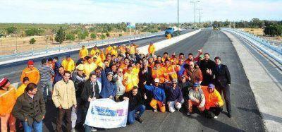 El gobernador Poggi almorzó con los trabajadores del Viaducto del Portezuelo