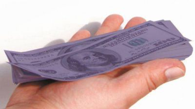 Tras un día de fuerte suba del blue, la brecha con el dólar oficial superó el 50%