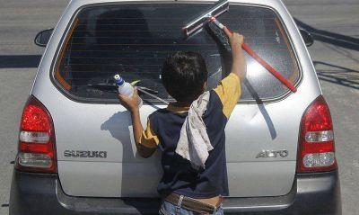 """VIH, trabajo infantil y exclusión escolar """"frenan"""" a la niñez"""