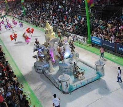 Pol�mica: Comparsas entregan proyecto para fijar fecha del carnaval