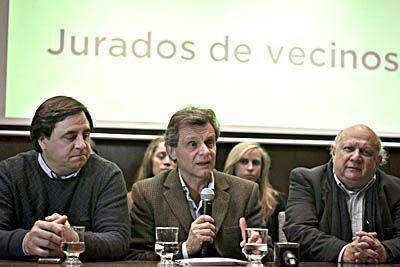 Pulti presentó el proyecto la creación de jurados vecinales