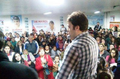 Damián De Marco cerró la campaña a sede colmada