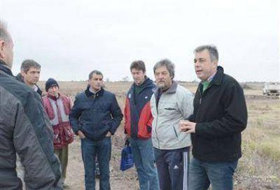Luis Castellano recorrió la obra de desagüe en el barrio Amancay