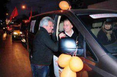 Carlos Paz Unido cerró su campaña con una caravana histórica