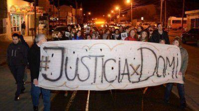 Pidieron justicia por Exp�sito Moreno en la vereda de la casa donde lo asesinaron