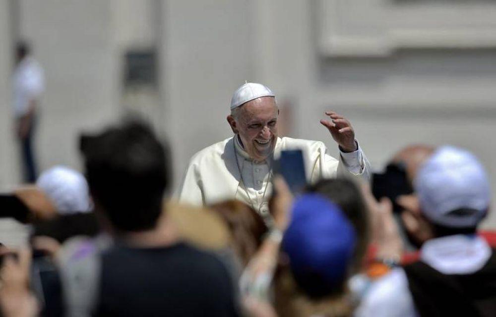 «La Iglesia es comunidad verdadera si se ensucia las manos con los últimos»