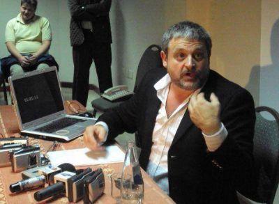 Rodolfo Lopes aclaró que no se baja de la candidatura