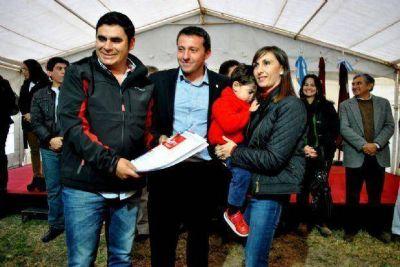 Doscientas familias de Güemes recibieron sus viviendas