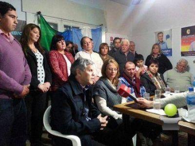 DANIELA GUINI PRESENTO OFICIALMENTE LA LISTA DE PRE CANDIDATOS PARA ACOMPAÑAR A SERGIO MASSA
