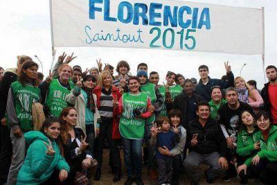 """Con los """"sueños y convicciones"""" de Néstor, Saintout le camina los barrios a Bruera"""