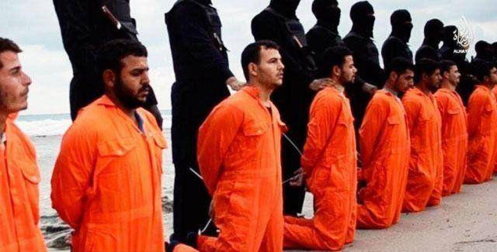 """El Papa denuncia las """"atroces, inhumanas e inexplicables persecuciones a los cristianos"""""""
