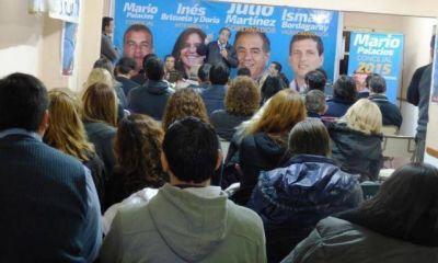 En campa�a, Mart�nez promete derogar el decreto Cavero