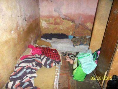 La lluvia hace estragos en una familia que vive en condiciones deplorables en un barrio de Resistencia