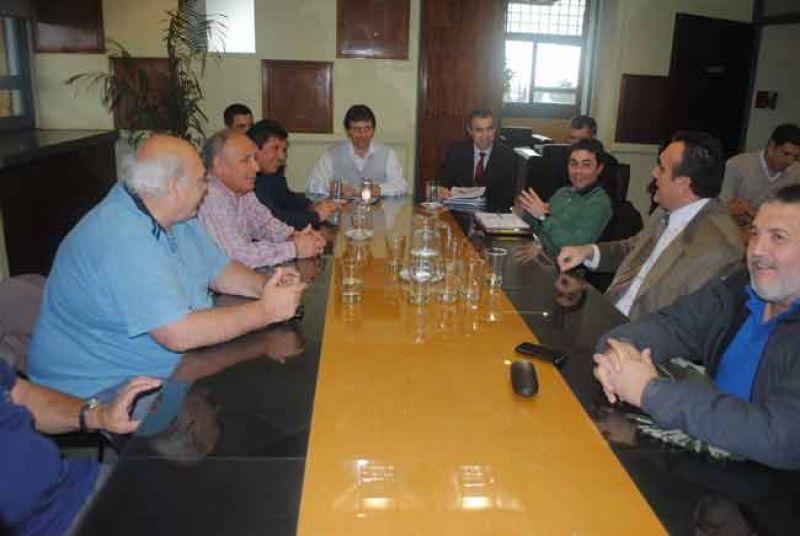 Paritarias: La Intersindical se reunió nuevamente con el Ejecutivo Provincial