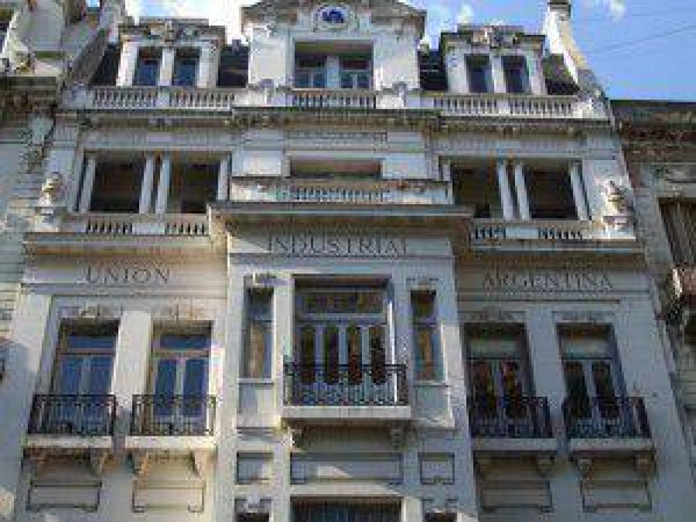 Tensión en industriales por el cruce entre Scioli y el presidente de la UIA