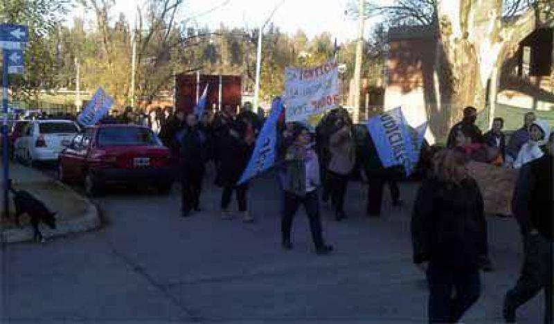 Recrudece el conflicto laboral - Los judiciales de Villa Mercedes se suman al parto total de este martes