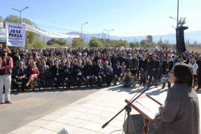 Luc�a inaugur� el nuevo Hospital de Andalgal�
