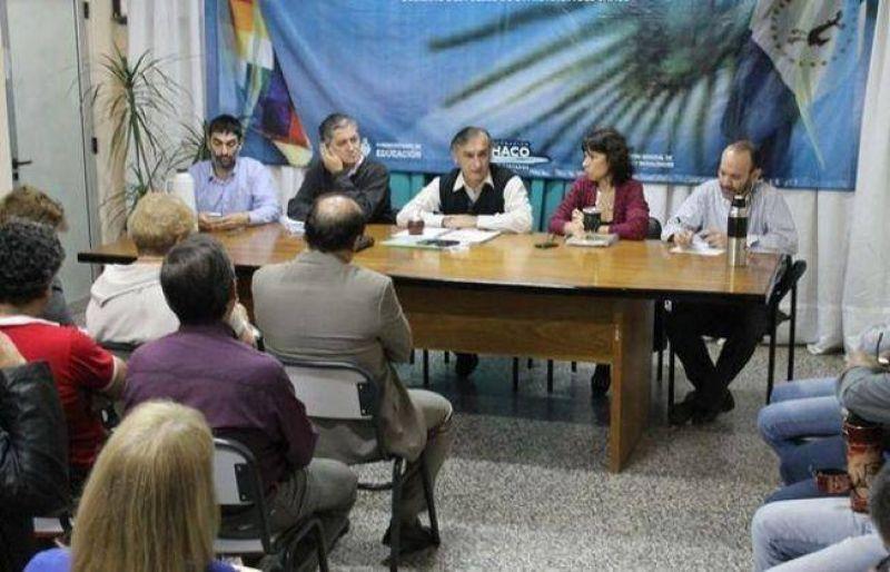Gobierno y gremios docentes retomaron la discusión salarial