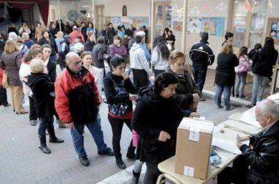 Buenos Aires, Córdoba, La Rioja, Corrientes y La Pampa votan en un superdomingo electoral